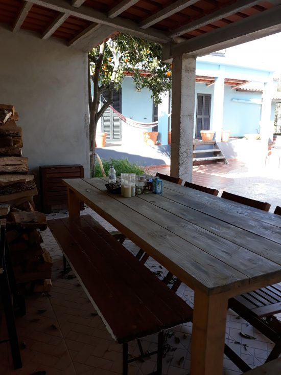 Drie marias buitenkeuken tafel 1