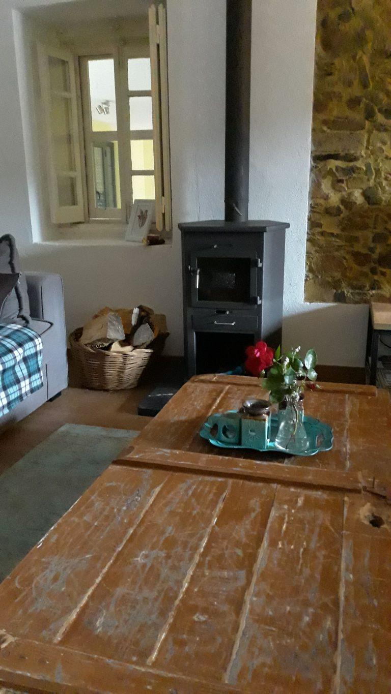 Drie marias woonkamer met tafel 1